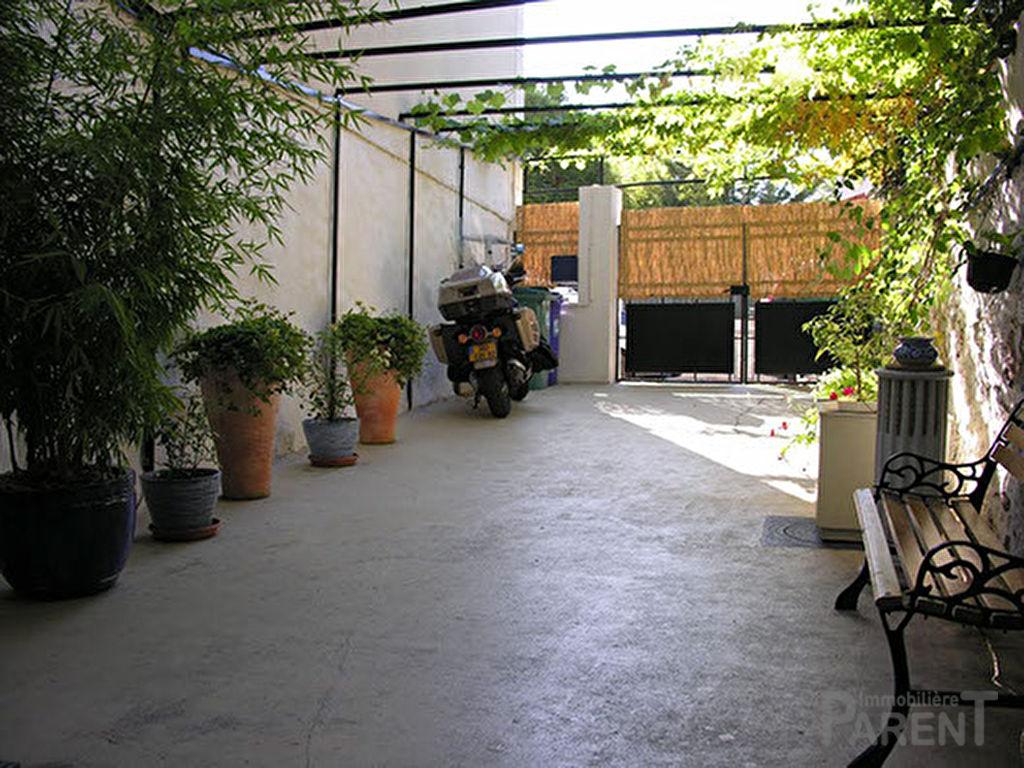 Malakoff : Maison familiale avec usage professionnel