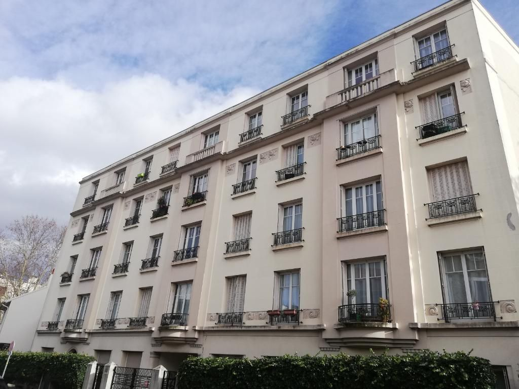 Issy-les-Moulineaux - Rue Barbes - 40 m2