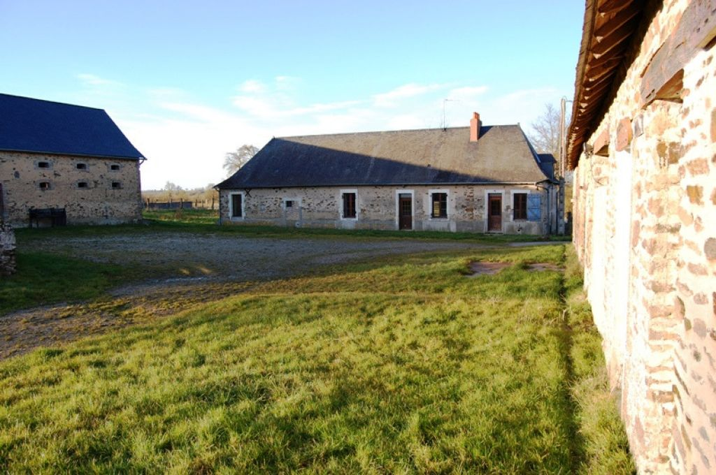 Corps de ferme vendre sur 9 hectares dans le secteur de ch teau gontier ch - Vieille ferme a vendre ...