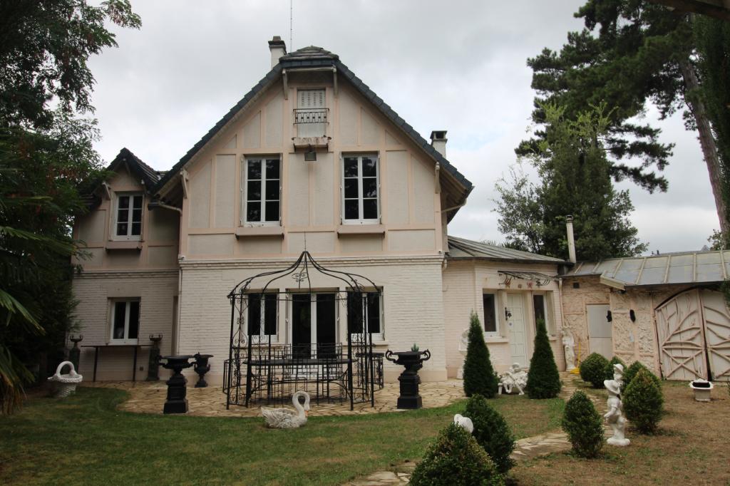 Maison LE VESINET CHARMETTES