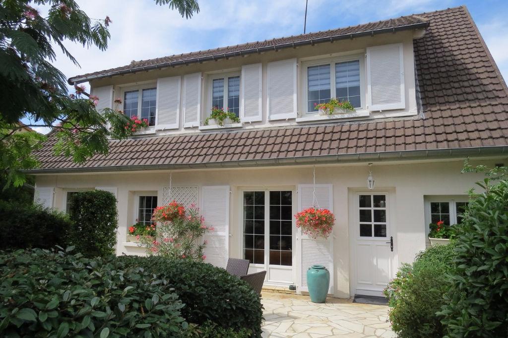 Maison Montesson 220 m²