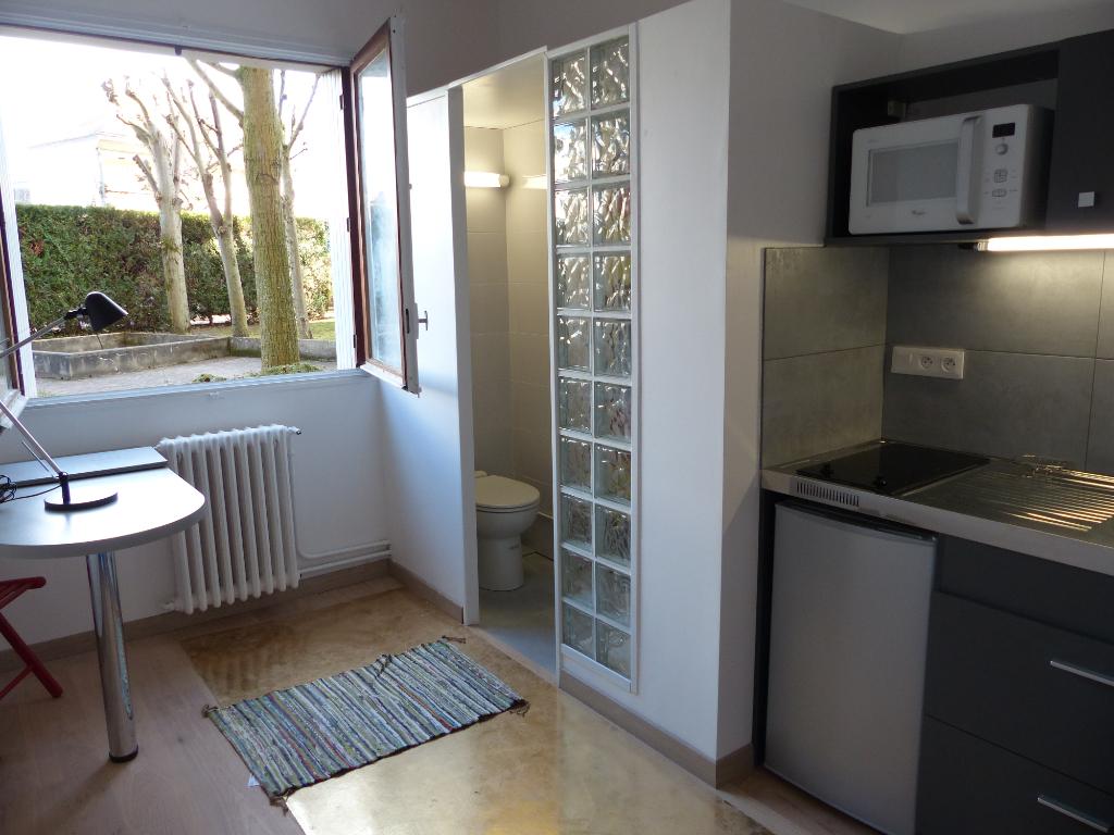 Appartement Saint Germain En Laye 1 pièce(s) 12.16 m2