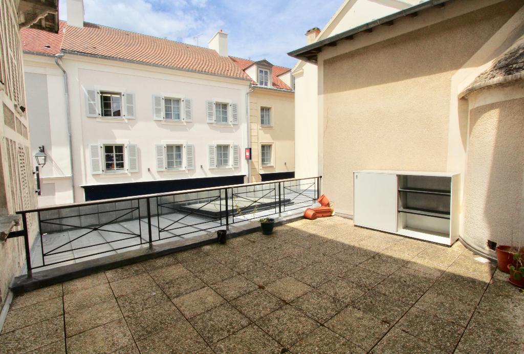 Apt T2 36 m2 avec terrasse 20 m2 hyper centre St Germain en Laye