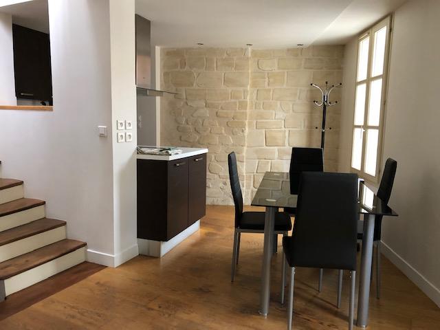 Appartement duplex meublé - 3 pièces 49 m² avec terrasse privative.