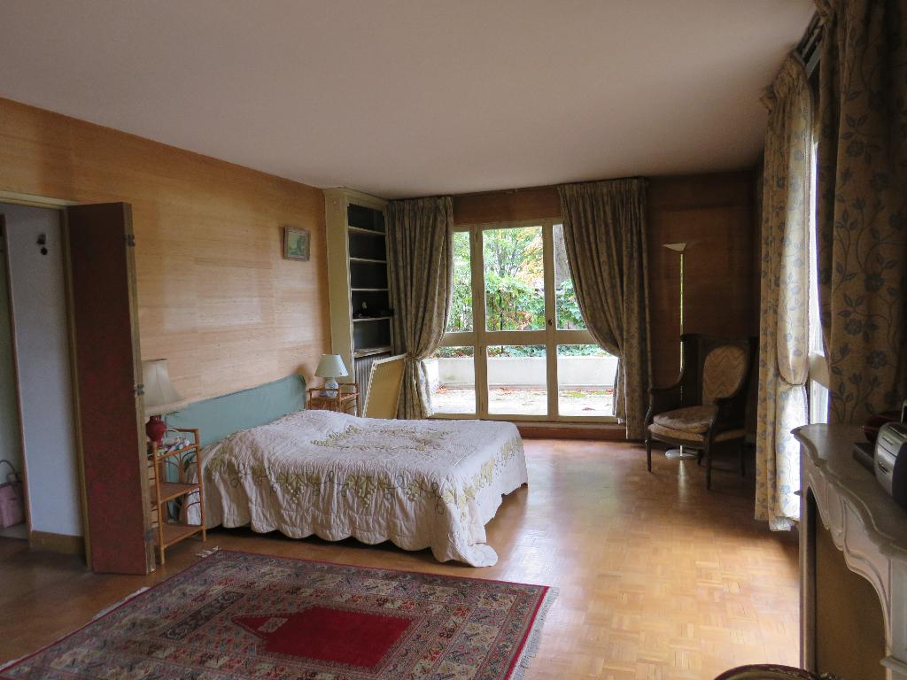 Appartement  151 m²  avec jardin  - Le Port Marly