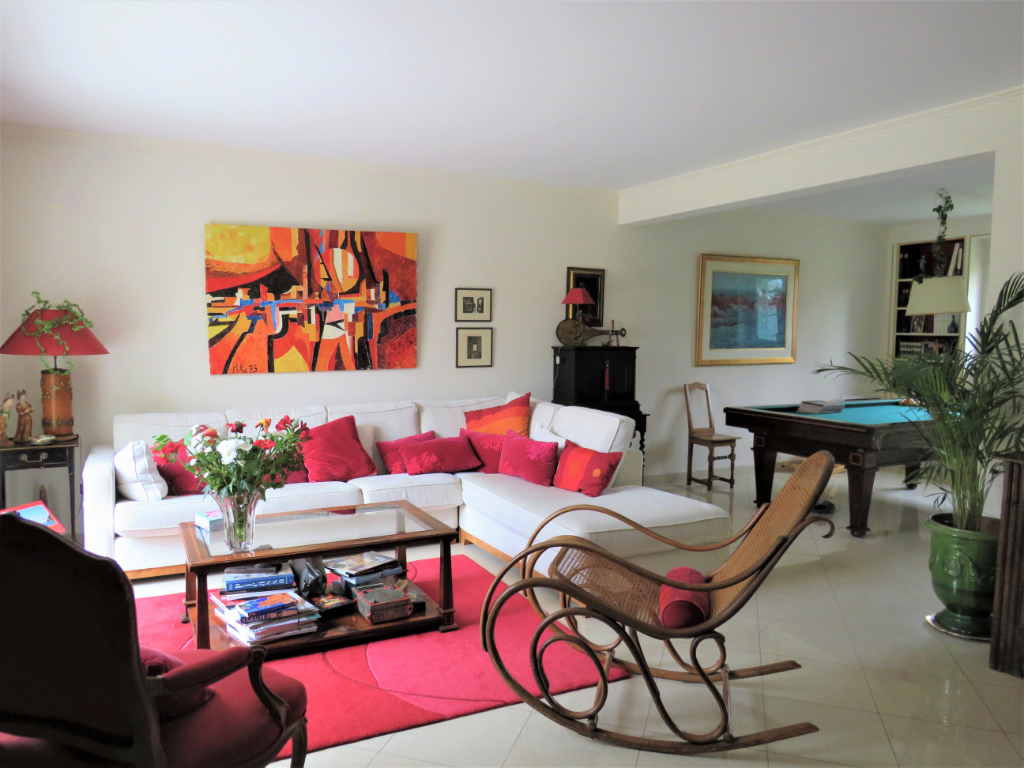 Maison  9 pièce(s) 220 m2