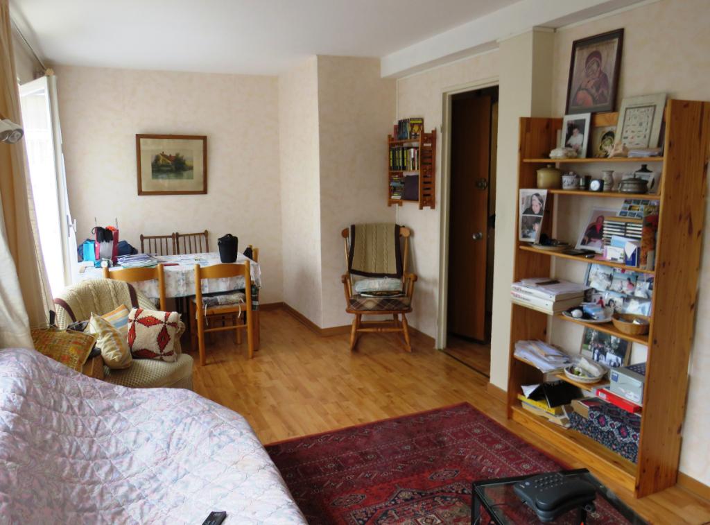 Appartement 3 pièces - St Germain Centre