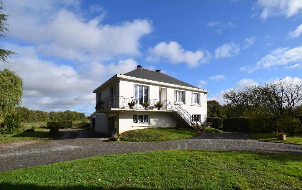 Maison 158 m² - 5 chambres - 5 236 m² de terrain
