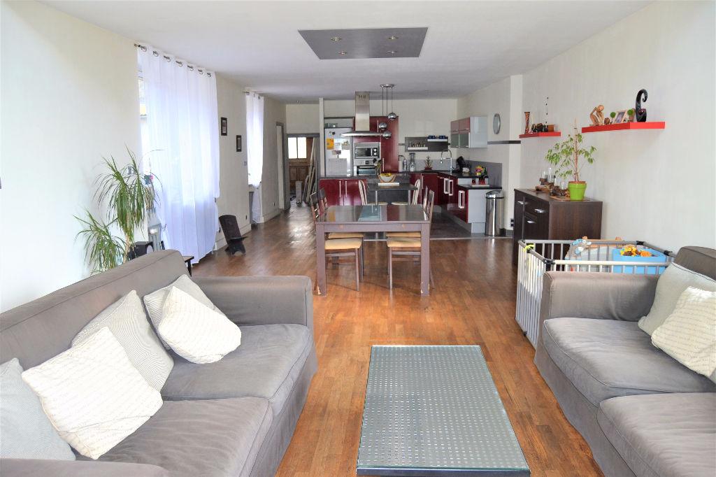 Maison Plougonven 8 pièce(s) 160 m²