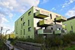 A louer appartement T3 de 61 m2 en rez-de-chaussée avec une terrasse et un jardinet